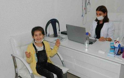 Doğuştan işitme engelli Fatma ilk kez duydu