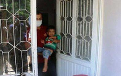 Küçük çocuk evde mahsur kaldı! İtfaiye ekipleri kurtardı